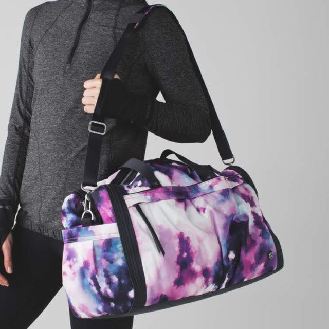 466a315234 Lululemon Urban Warrior Duffel Bag, Women's Fashion on Carousell