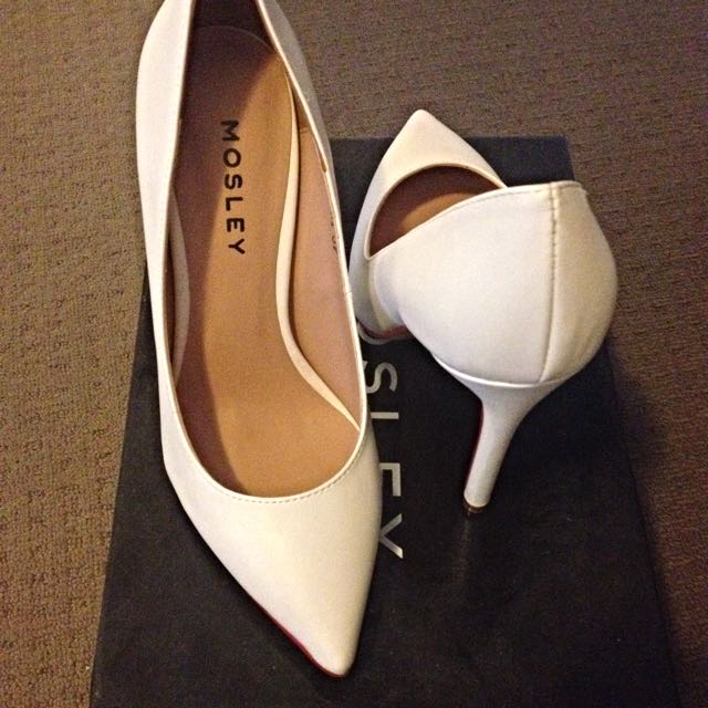 Mosley White Pumps