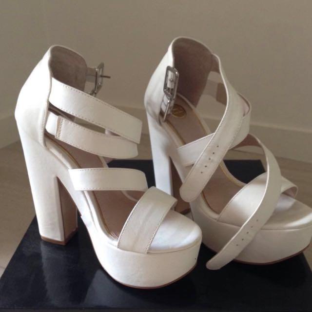 SIE 6 - ZU White High Heels