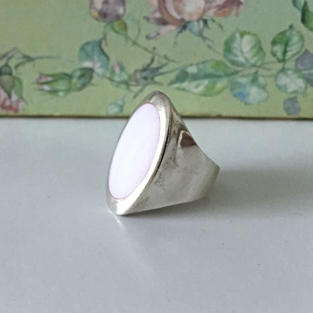Silver 925 Ring With Mother Of Pearl ( Pink )