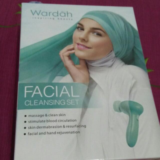 Wardah Facial Cleansing Set
