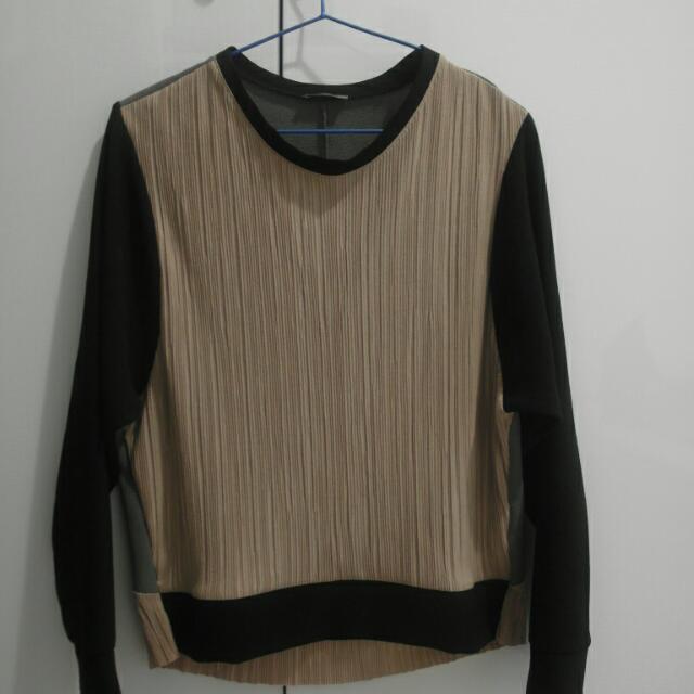 Zara精緻細直坑米色上衣前長後短設計感異材質拼接上衣