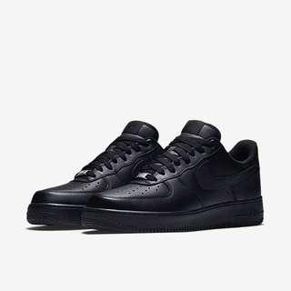 BNIB: Nike Air Force 1 Full Black