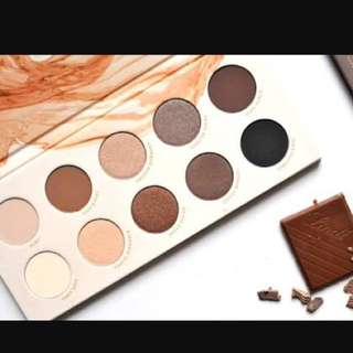 **Pending** Zoeva - Naturally Yours Eyeshadow Pallet