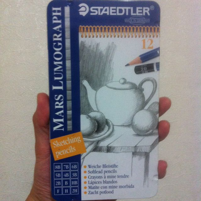 [出價] 12色 Staedtler專業素描鉛筆