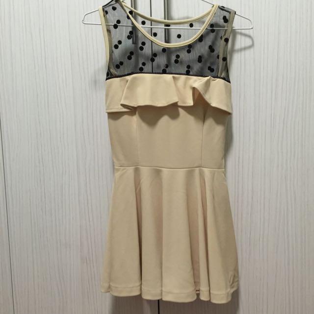 韓系透膚網紗拼接荷葉設計米色優雅洋裝