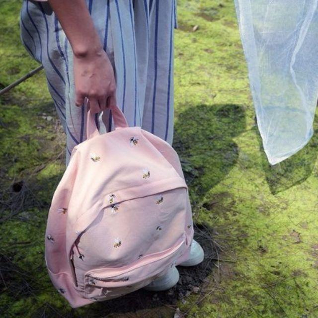 文青 淡粉色 帆布蜜蜂刺繡後背包