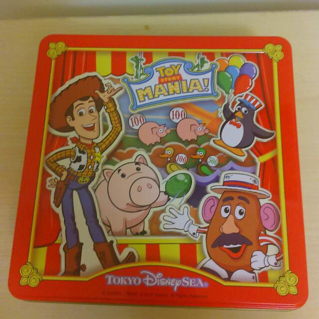 日本 東京 玩具總動員 迪士尼  三眼怪 胡迪 巴斯 鐵盒