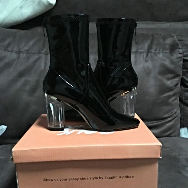 BRAND NEW BLACK BOOTS NEVER BEEN WORN SIZE 8