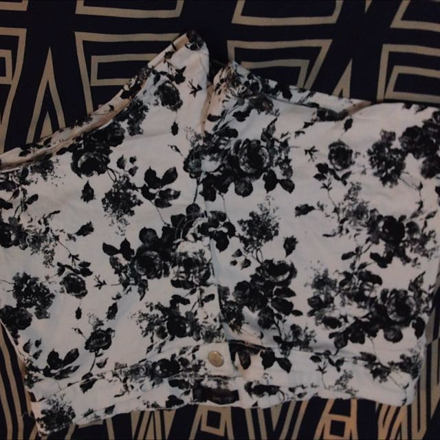 Size 12 Black And White Floral Shorts