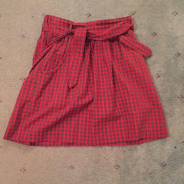 (Size 8) Minkpink Skirt