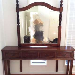 Solid Wood Dressing Table With Drawers and mirror