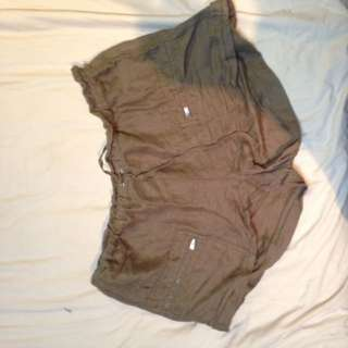 SPORTS GIRL KHAKI SHORTS Size 16