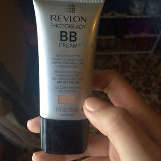 REVLON BB Cream -20 Light Medium
