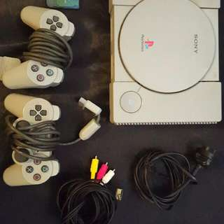 Ps1 Negotiable On The Price With 2 Controllers