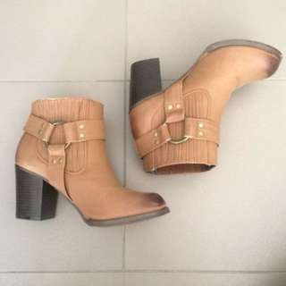 Therapy Brown Boots