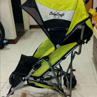 Lightweight stroller for toddlers. 2 inclined positions. Weight About 4kg Just need a good wipe. Condition : 8/10  Not for fussys.