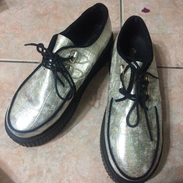 白銀鬆糕鞋