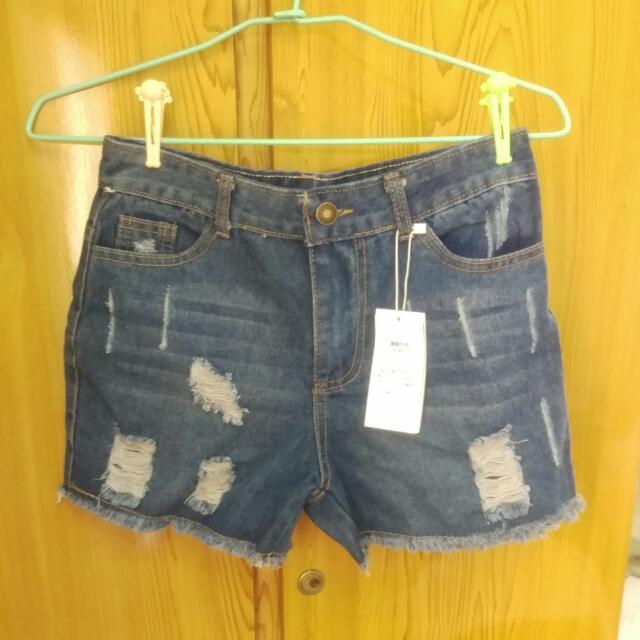 ✨全新刷破牛仔短褲✨
