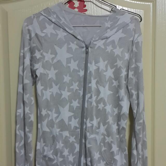 灰白色星星造型外套