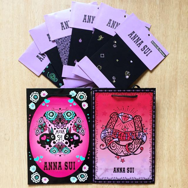收藏Anna Sui限量版紙袋 送褲襪樣本卡