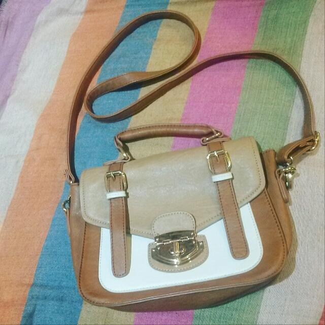 COLLETE hand Bag Authentic PENDING