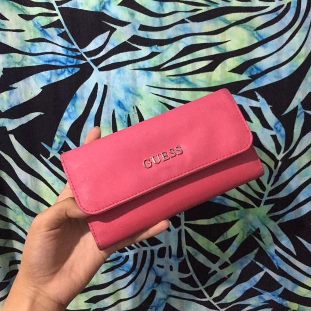 GUESS CORAL PINK WALLET (Dompet Pink)