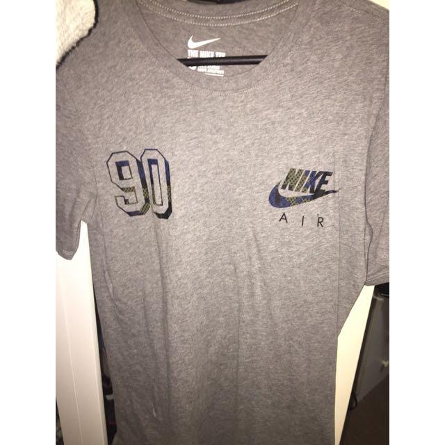 Nike T-Shirt(PENDING)