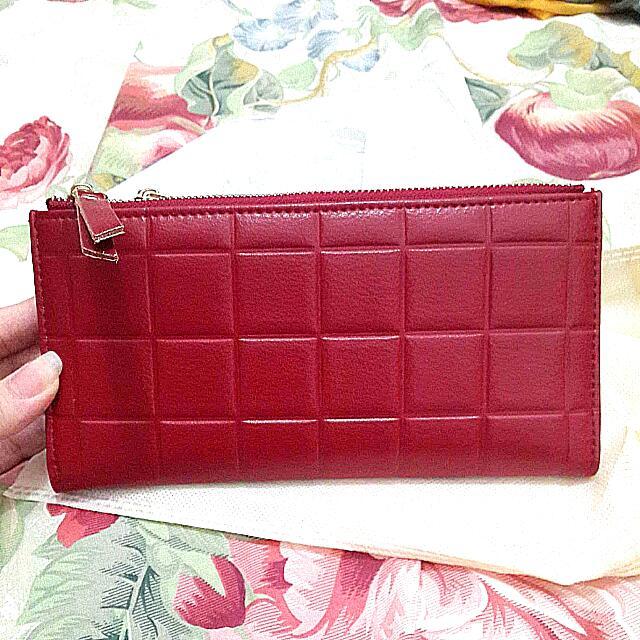 Red bon wallet