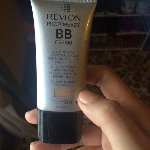 REVLON BB Cream -20 Light Medium