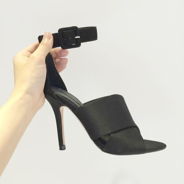 二手~Zara 黑色 緞面 高跟鞋 👠