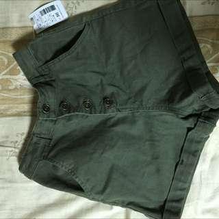50%軍綠色S號短褲