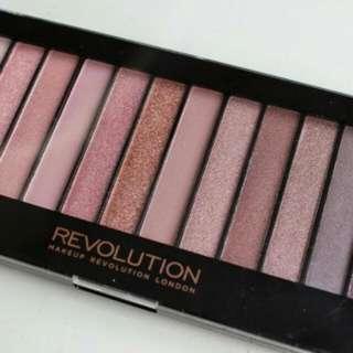 英國品牌makeup revolution 12色眼影盤 Iconic3