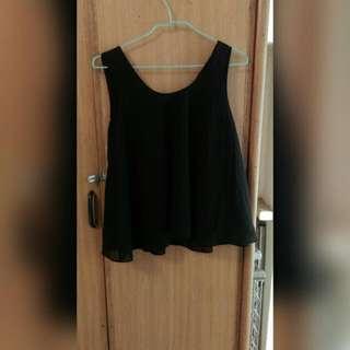 黑色無袖上衣