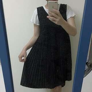 黑色麡皮V領百褶裙