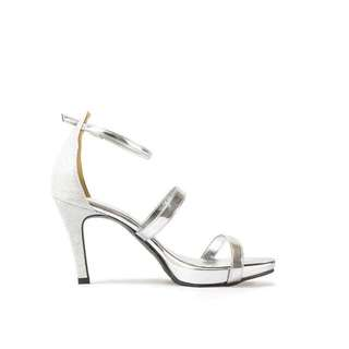 Versatile Silver Heels For Casual Or Dinner