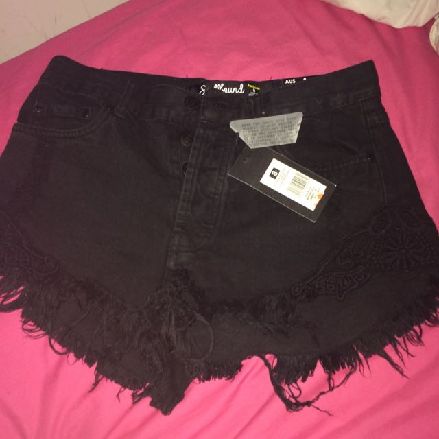 FACTORIE BLACK DENIM SHORTS