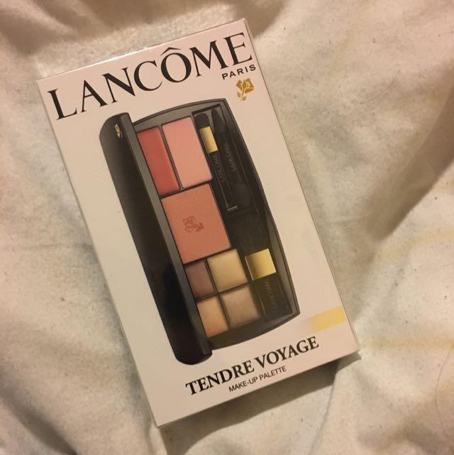 Lancôme tender voyage makeup pallet