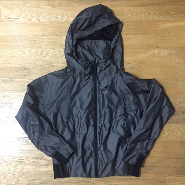 ((降價()))Nike 女生金屬感 深灰色運動休閒外套 S號 二手九成新
