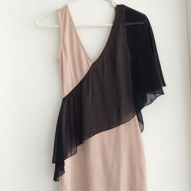 Nude / Black Dress Size XS / 6