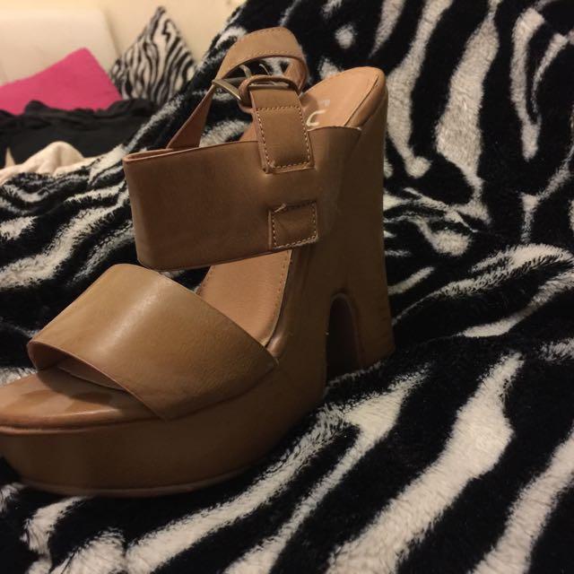 Rubi Shoes Size 37 6/7 High Heels