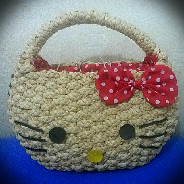 Tas Hello Kitty Anyaman