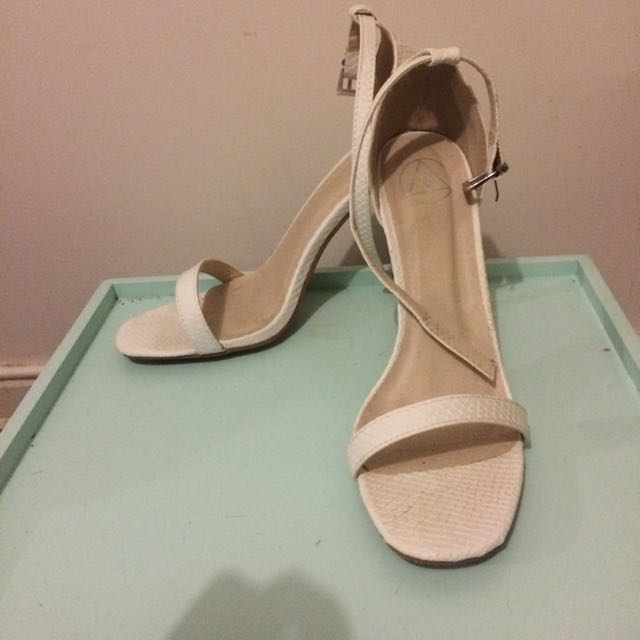 White Scrappy Shoe Size 9