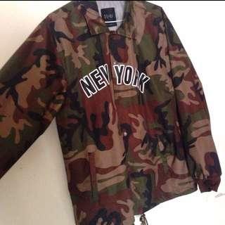 【九成新】可議價  迷彩風衣外套XL