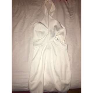 Cut Open / Backless White Dress