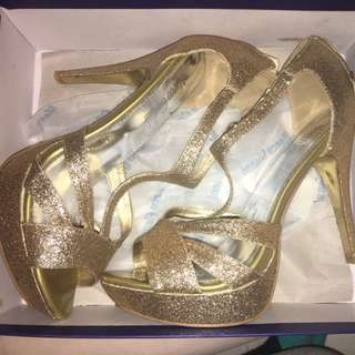 Marco Gianni Gold Heels