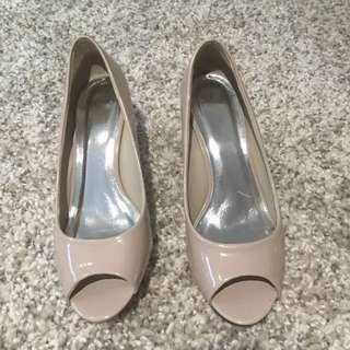 Like New Heels Size 6
