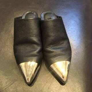 Senso Flats