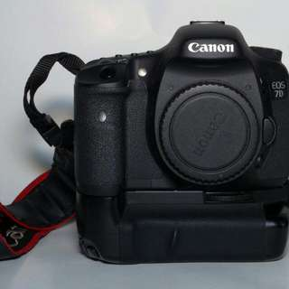 Canon 7d With BG Low SC