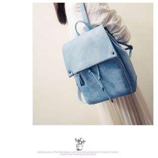 【預購】簡約百搭韓版PU皮素色清新學院風軟皮拉繩後背包